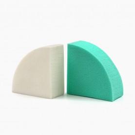 SPN19 спонж резин- софт, четверть луны микс 4,3*4,3 h-2 см для макияжа и умывания 5 гр.(20 шт/уп 4800/кор)